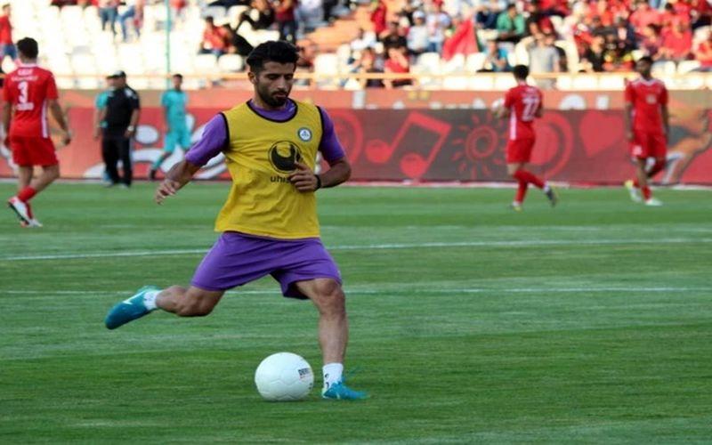 محمود شفیعی به عنوان بازیکن جدید مس کرمان به این تیم پیوست