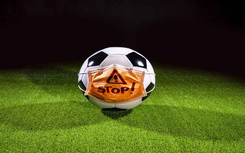 با اطلاعیه ستاد کرونا؛ مسابقات فوتبال کشور طبق برنامه برگزار می شود