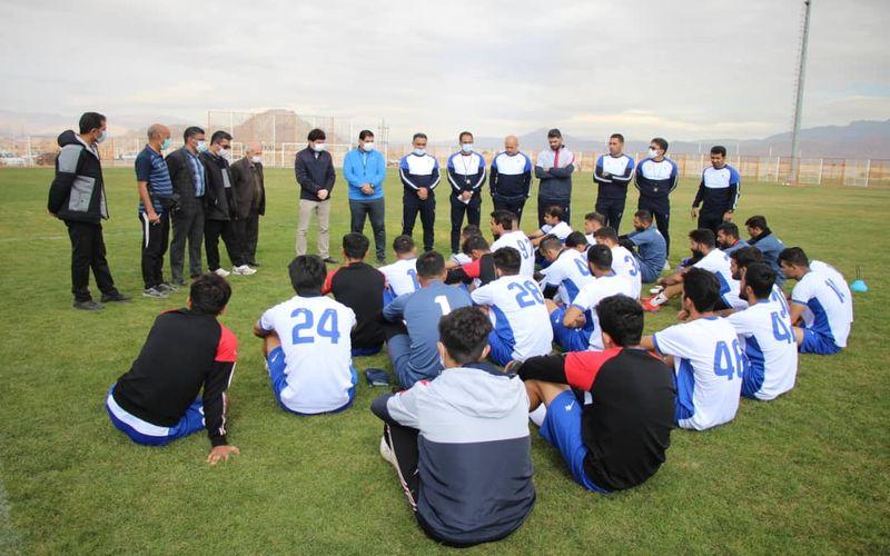 گزارش تصویری تمرین تیم مس کرمان با حضور مقامات باشگاه