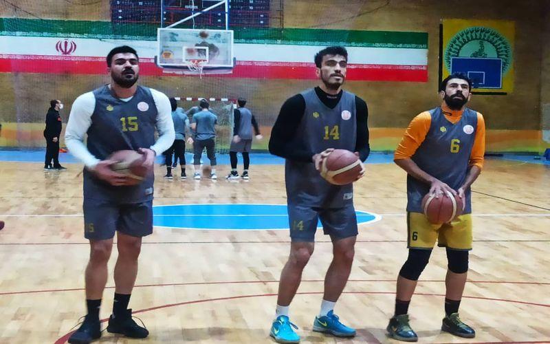 بسکتبالیست های مس برای بازی با شهرداری بندرعباس آماده می شوند(عکس)