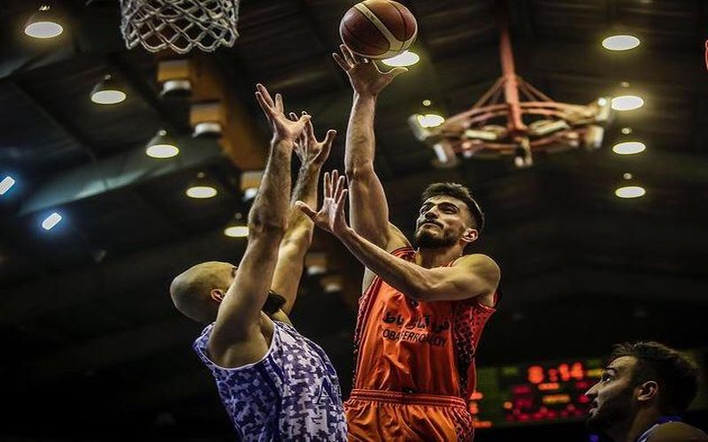 توپ بسکتبالیست های مس کرمان برابر نیروی زمینی به سبد پیروزی بازگشت