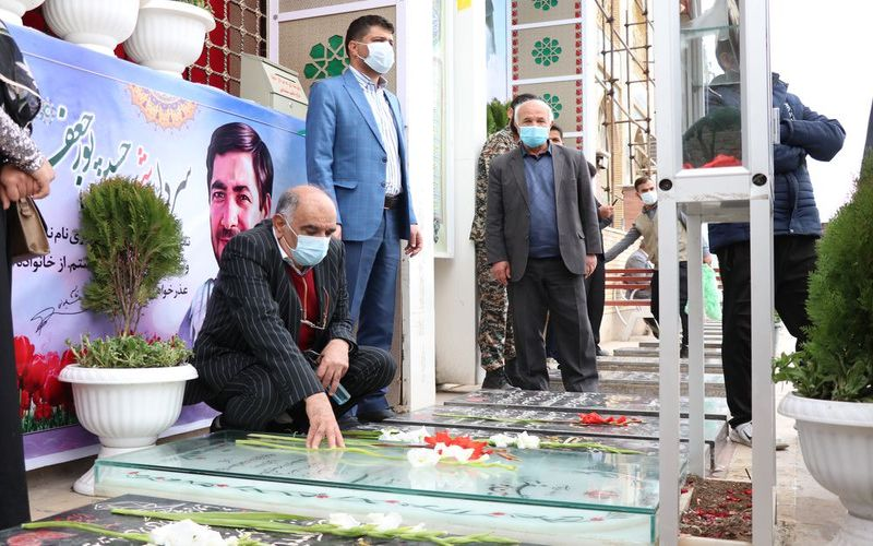 حضور سرپرست و هیات مدیره باشگاه مس کرمان در گلزار شهدا(عکس)