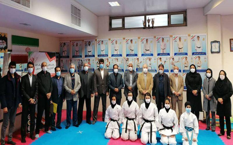اهدای نشان و کاپ کاراته کاهای مس کرمان پس از درخشش در لیگ کاتا مجازی کشور(عکس)
