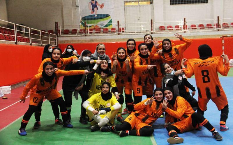 گزارش تصویری بازی فوتسال دختران مس و فجر شیراز