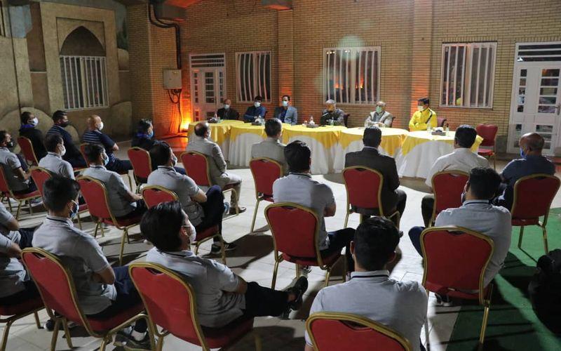 گزارش تصویری از نشست صمیمانه مدیرعامل شرکت ملی صنایع مس با تیم فوتبال مس کرمان