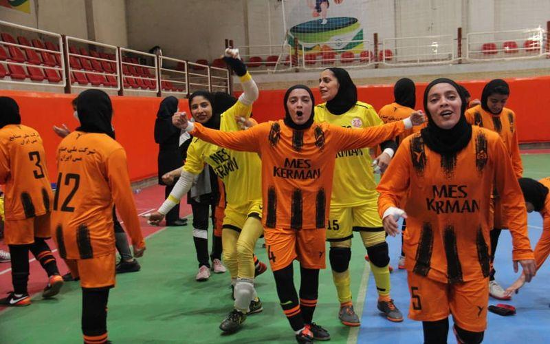 پایان کار دختران کرمانی فوتسالیست مس کرمان در این فصل با کسب رتبه چهارمی گروه