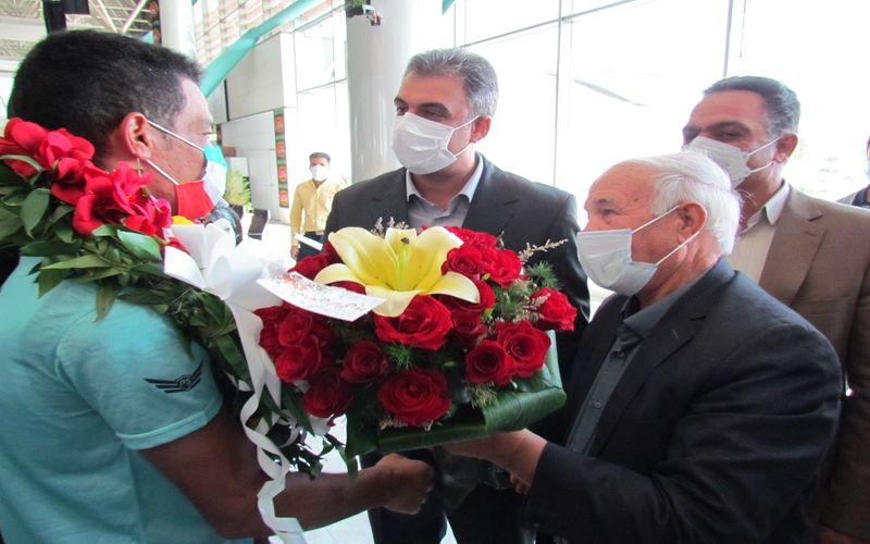 استقبال مقامات باشگاه مس کرمان از سعید افروز قهرمان ارزنده پارالمپیک
