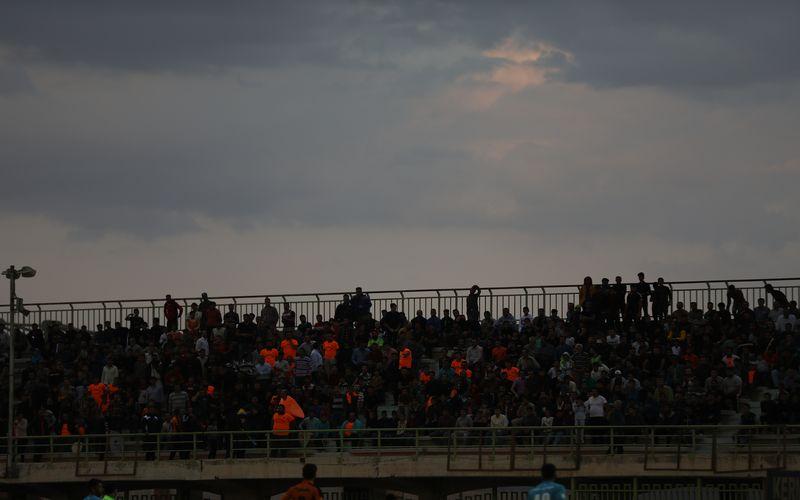 با توجه به اظهارات مسئولان، به نظر میرسد نیمه سوم مهر ماه برای اولین بار پس از حدود 600 روز مجددا شاهد حضور تماشاگران در ورزشگاههای کشور باشیم.