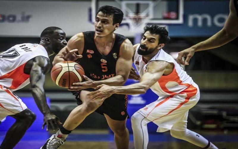 رضا آذرشا بازیکن بسکتبال مس کرمان: داور می توانست تصمیمات بهتری در بازی بگیرد
