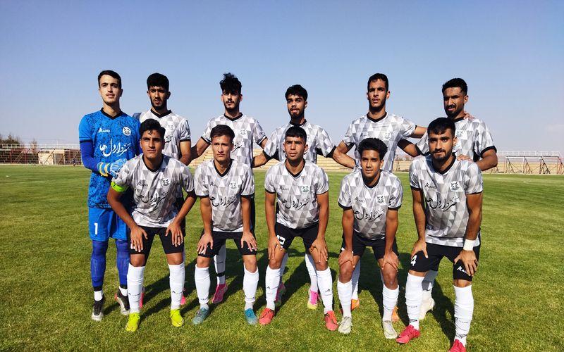 تیم فوتبال امید مس کرمان در اولین بازی خود از فصل جدید رقابت های لیگ برتر امیدهای کشور در رفسنجان و برابر مزیبان خود تیم امید مس رفسنجان به تساوی بدون گل رسید تا یک امتیاز خوب را از این بازی خارج از خانه دشت کند.