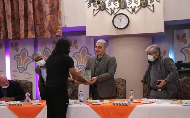 سرمربی تیم فوتبال مس کرمان حضور دکتر سعدمحمدی در شرکت ملی صنایع مس را یک فرصت مغتنم برای ورزش و ورزشکاران دانست.