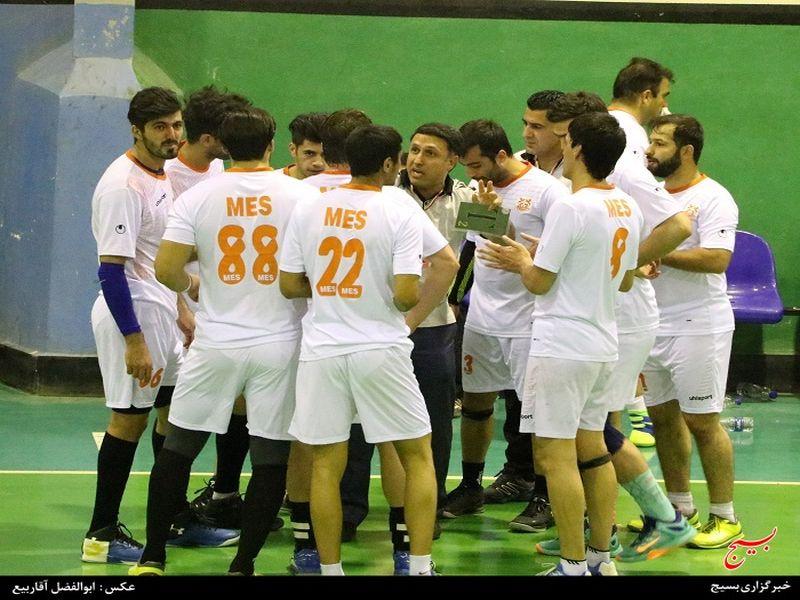 هندبال هپکو اراک18 ـ 19مس کرمان از سری رقابت های لیگ برتر 94-95 - 8 تصویر