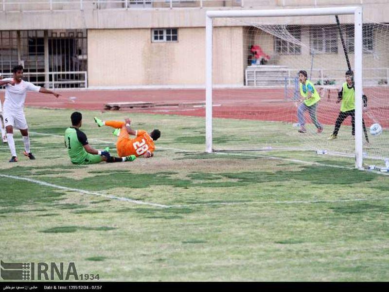 گزارش تصویری بازی فولاد 1-0 مس هفته بیست و هشتم رقابت های لیگ دسته اول - 12 تصویر