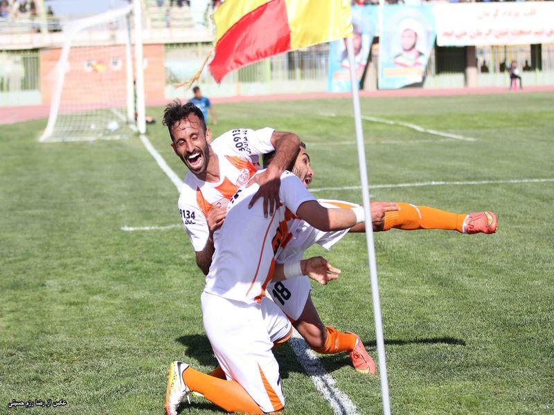 گزارش تصویری بازی مس1-0 آلومینیوم هفته بیست و نهم لیگ دسته اول - 33 تصویر