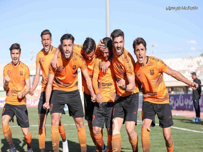 گزارش تصویری بازی مس2-0 اروند خرمشهر هفته بیست وششم لیگ یک فصل 97-98 - 37 تصویر