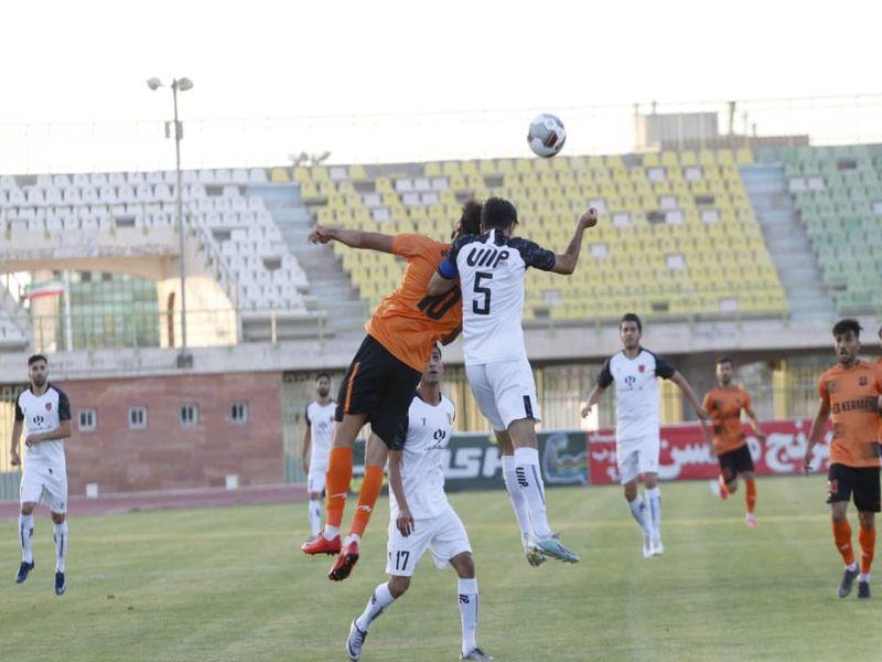 گزارش تصویری بازی مس کرمان0-0 مس رفسنجان هفته بیست و هفتم رقابت های لیگ یک به دوربین فاضل حبیبی - 20 تصویر