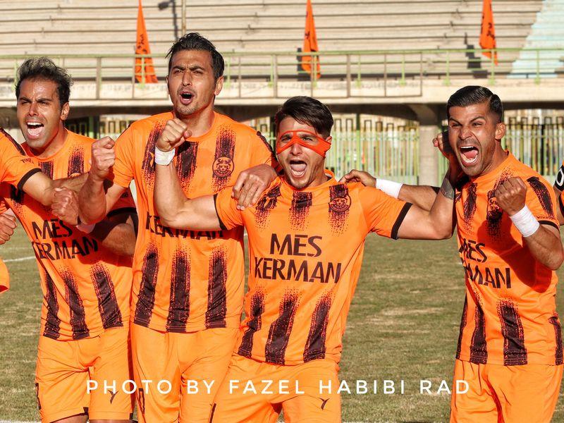 سری اول گزارش تصویری بازی مس کرمان 1-0 آرمان گهر به روایت دوربین فاضل حبیبی - 13 تصویر