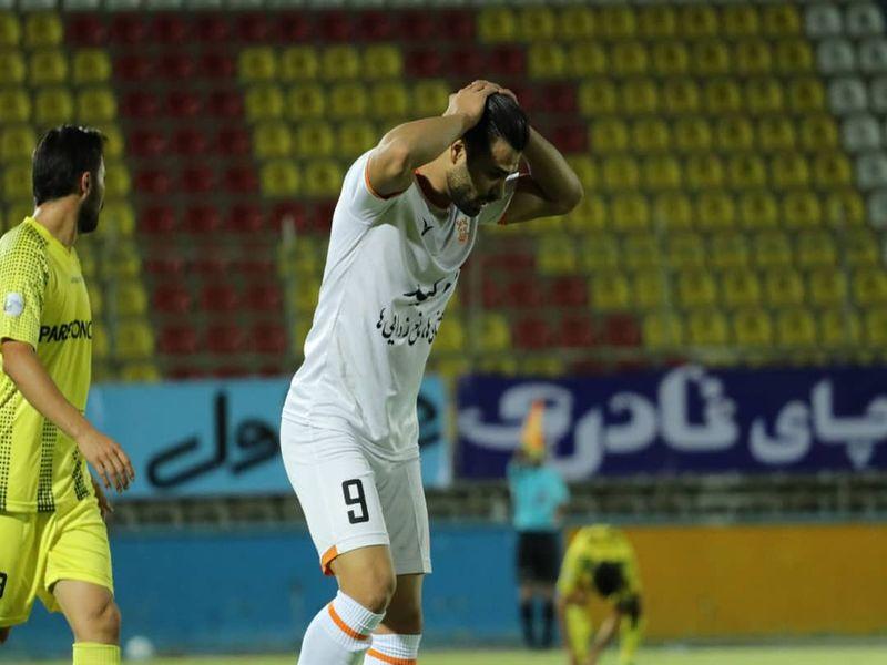 گزارش تصویری بازی پارس جم 1-0 مس کرمان هفته بیست و ششم لیگ یک به روایت دوربین فاضل حبیبی - 17 تصویر